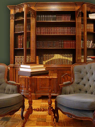 A well equipped home library with luxury collections of artistic and individually designed books.